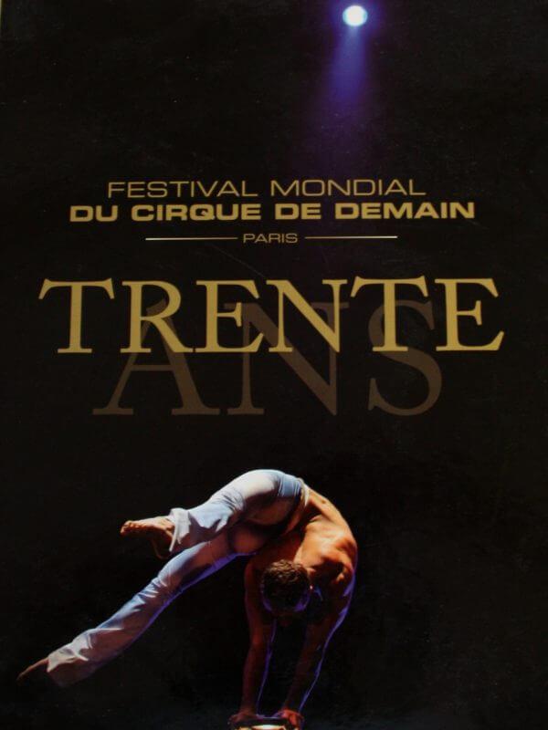 Festival Mondial du Cirque De Demain : Trente Ans - Couverture Livre - Collection Spectacles vivants - Éditions Magellan & Cie