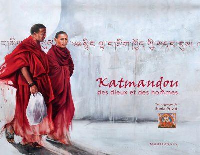Katmandou, Des Dieux Et Des Hommes - Couverture Livre - Collection Coups de crayon - Éditions Magellan & Cie